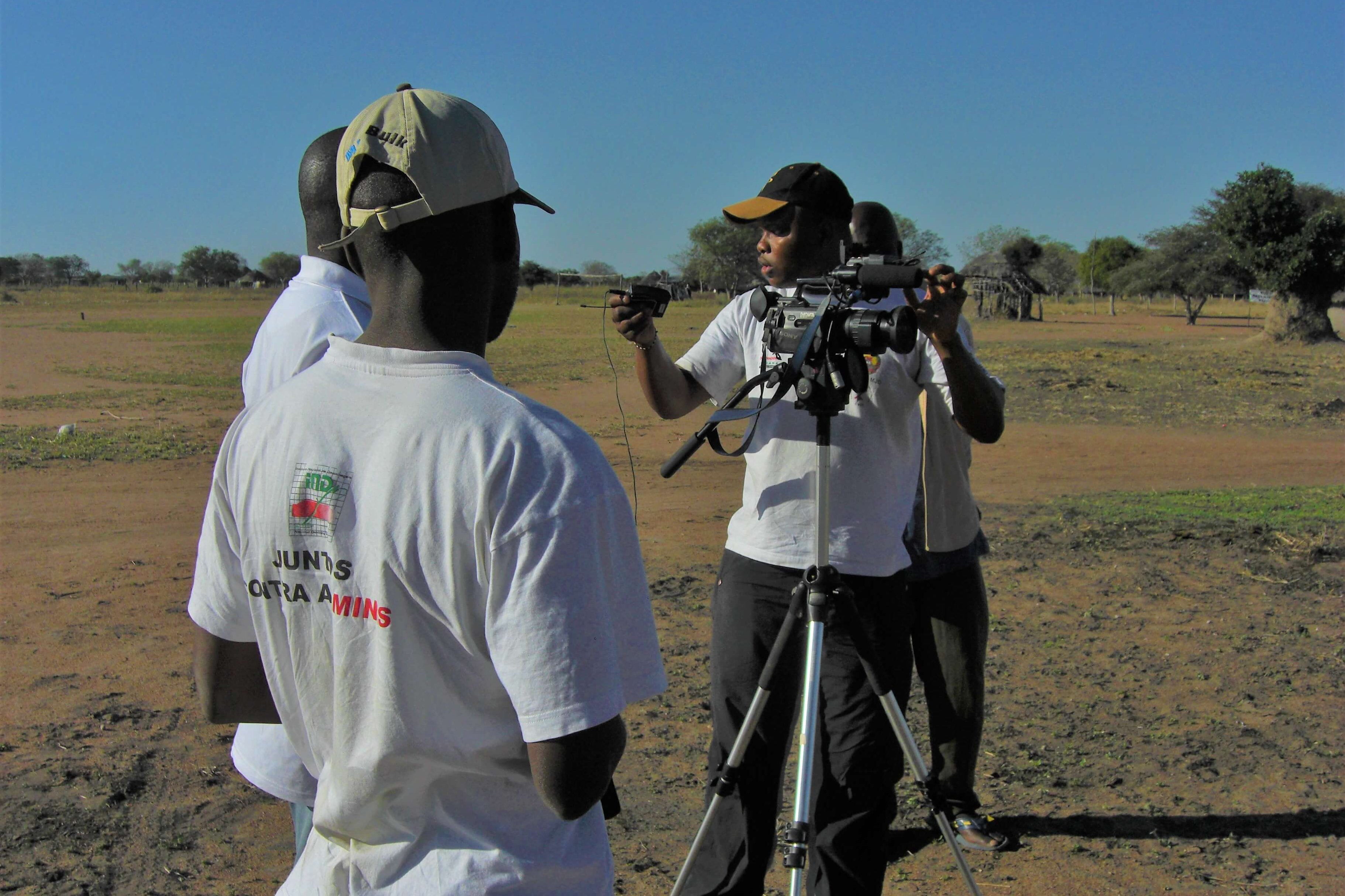 Mozambique: The film team at work