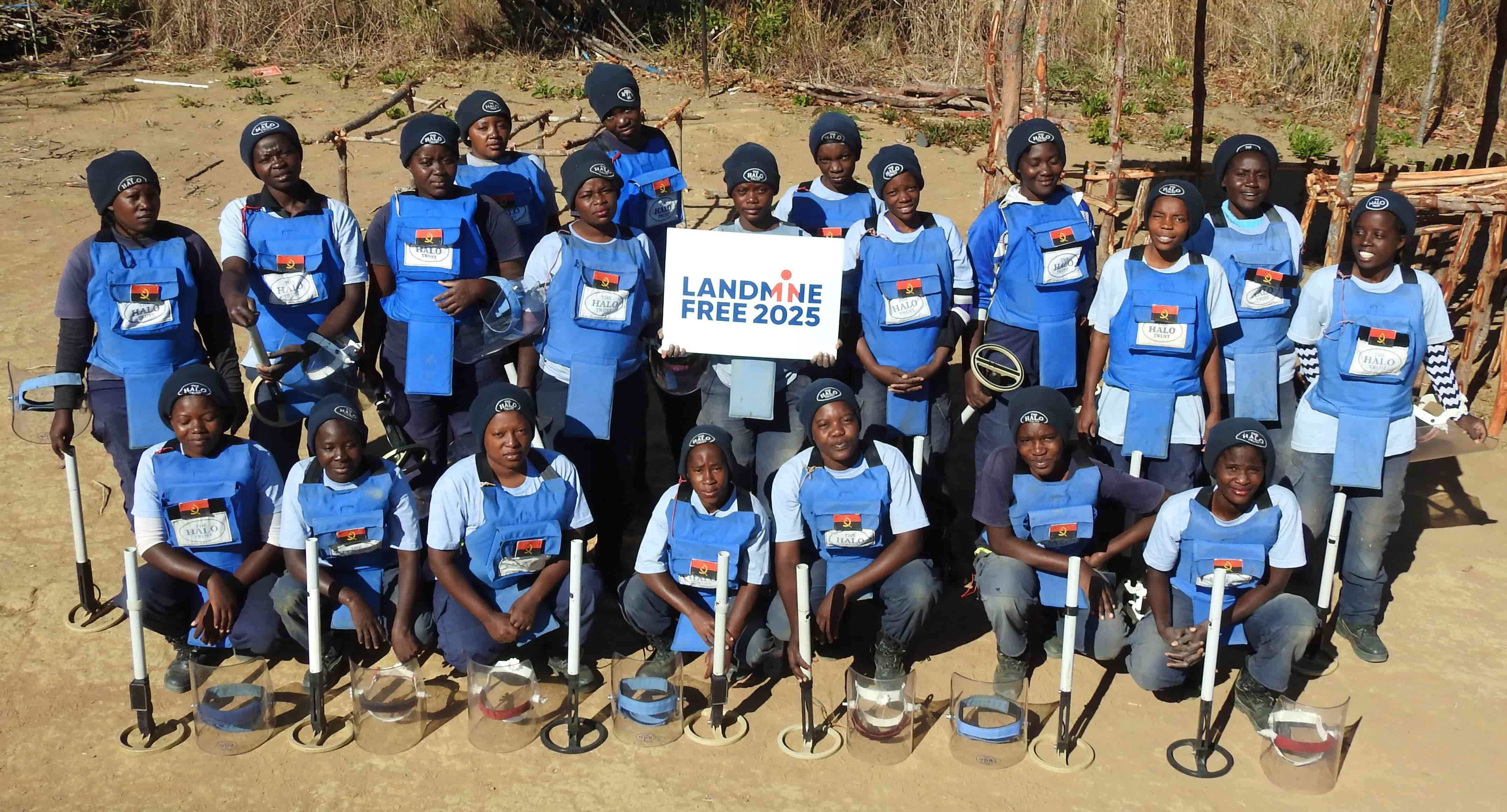 The demining team in Angola - the country should be mine-free by 2025